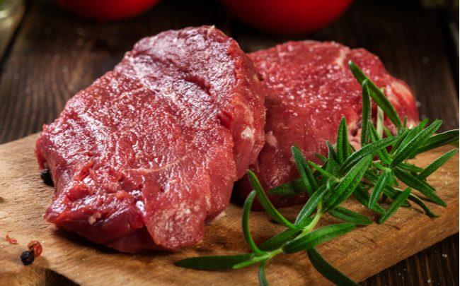 Como temperar a carne para o churrasco