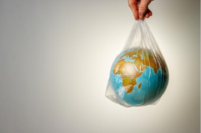 Dicas para reduzir o consumo de plástico no dia a dia