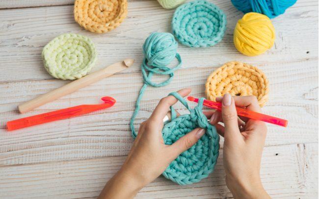 Discos de crochê reutilizáveis para tratamentos faciais