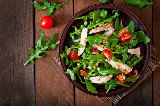 5 saladas que substituem uma refeição completa