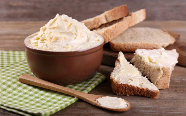 5 passos para fazer manteiga em casa - SEPAC