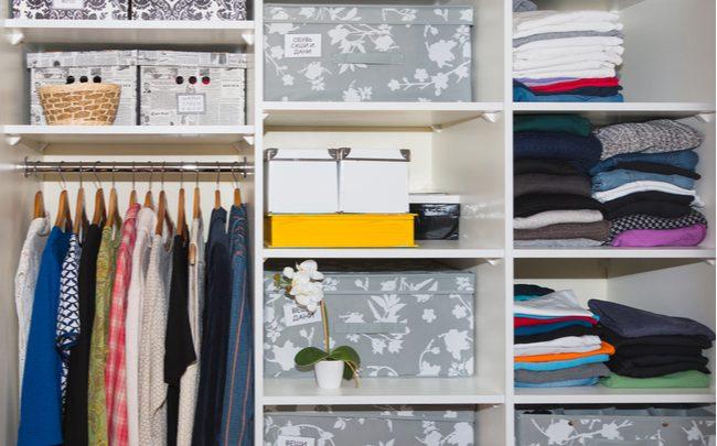 O que é um armário-cápsula e como ter um em casa - SEPAC