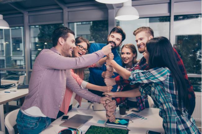 Como as dinâmicas de grupo podem desenvolver líderes
