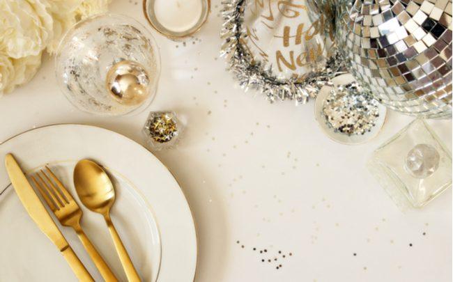 Decoração de mesa de Ano-Novo