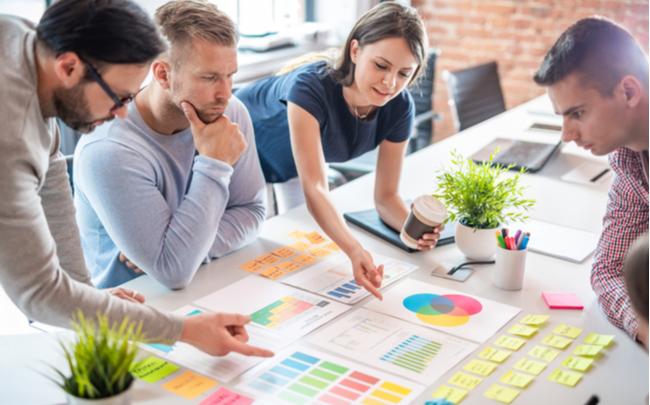 Reunião design thinking entre equipe criativa - SEPAC