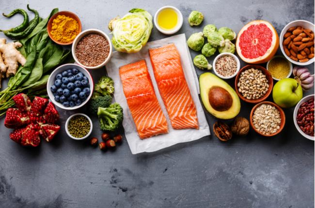 Conheça os superalimentos e saiba como adicioná-los à dieta