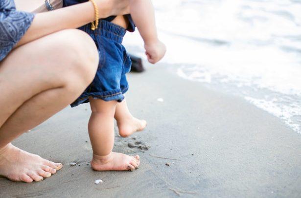 Bebê na praia: como aproveitar ao máximo