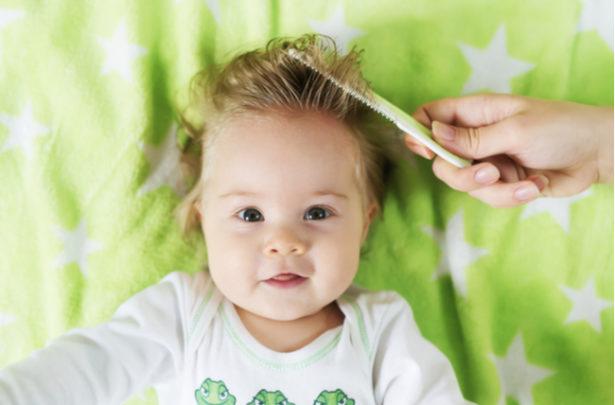 Cuidando do cabelo do bebê - BabyBoo