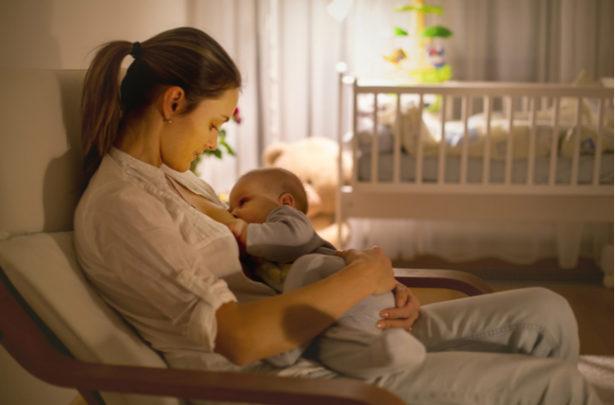 Dicas para aumentar a produção de leite materno - BabyBoo