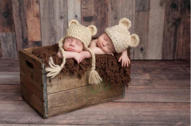 Bebês gêmeos dicas e cuidados - BabyBoo