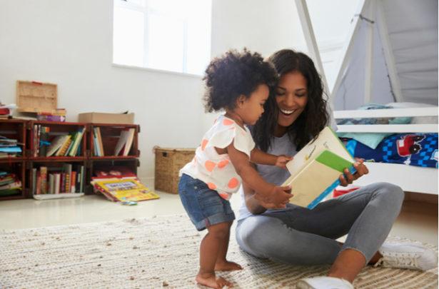 Benefícios de ler para o seu bebê - BabyBoo