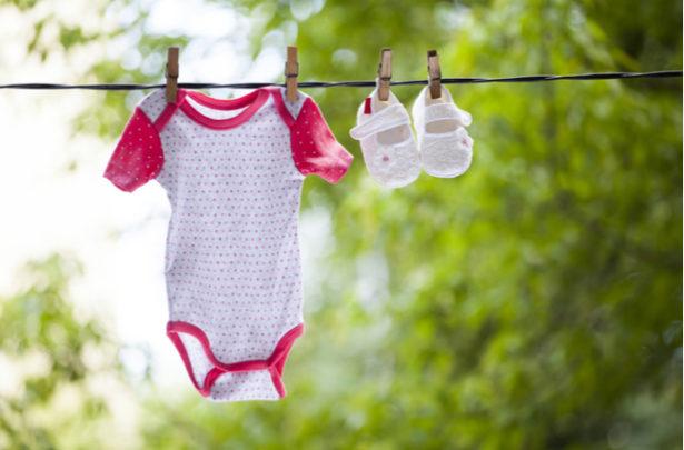 Dicas para lavar as roupinhas do recém-nascido