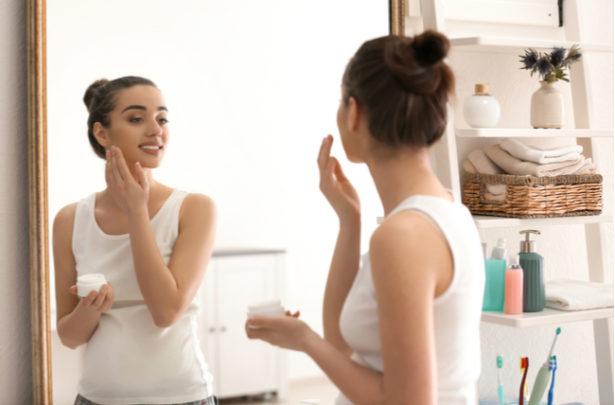 Dicas para prevenir manchas na pele durante a gravidez