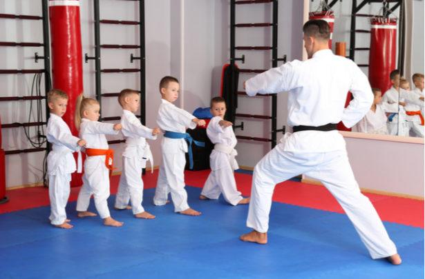 Benefícios das artes marciais para crianças - BabyBoo