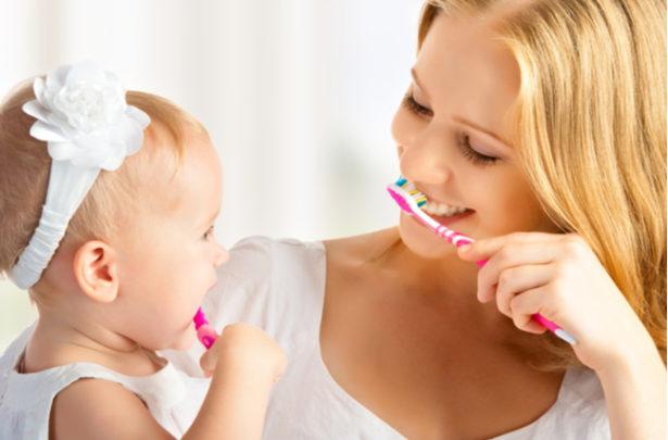 Como incentivar as crianças a escovarem os dentes - BabyBoo