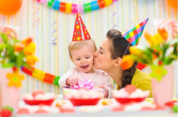 Dicas para economizar no aniversário de um ano do seu filho - BabyBoo