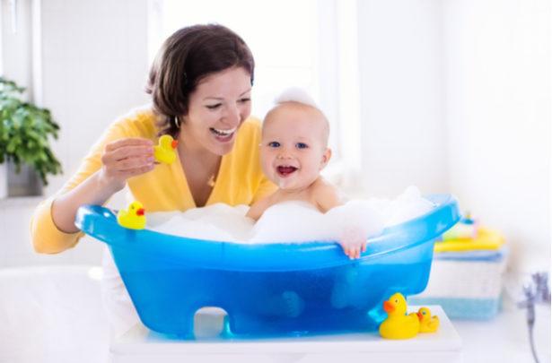 Como higienizar a banheiro do bebê - BabyBoo