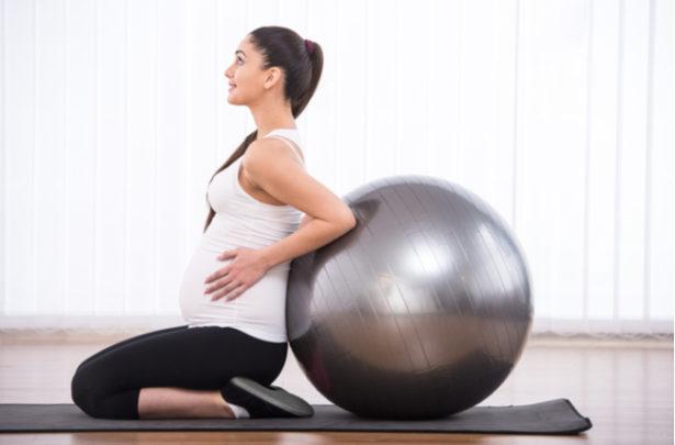 Fitball - exercícios para gestantes - BabyBoo