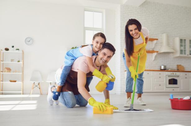 familia nas tarefas de casa - UNIVERSO DO CUIDADO